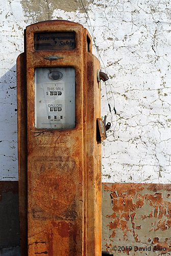 Unattended Sentry Bennett 541 gas pump Age-value monument Caddo County Coger Oklahoma
